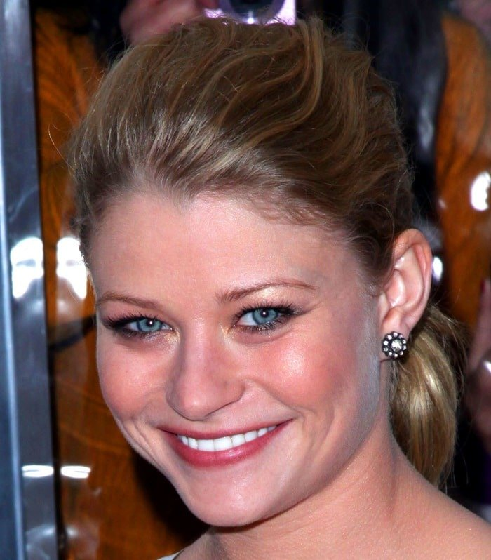 """Emilie de Ravin wears her hair back at the New York premiere of """"Remember Me"""""""