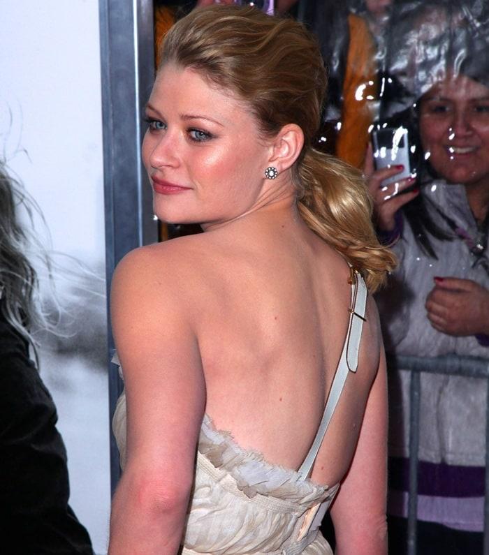 Emilie de Ravin wears a Gianfranco Ferre dress to her movie premiere