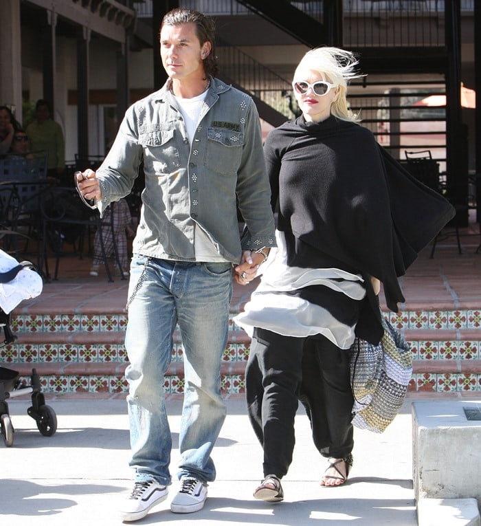 Gwen Stefani and Gavin Rossdale at the park in Malibu with their kids on May 23, 2010