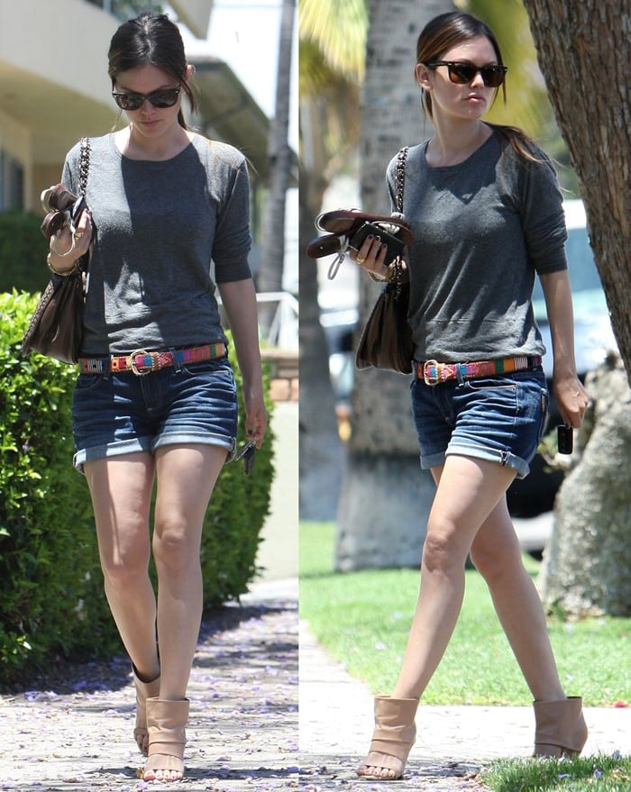 Rachel Bilson goes to a friend's place in Hollywood wearing denim shorts, May 30, 2010