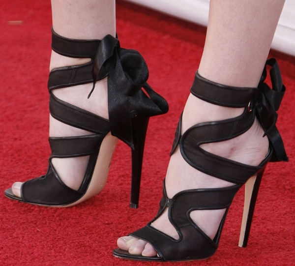 Anna Kendrick shows off her feet in Gianvito Rossi heels
