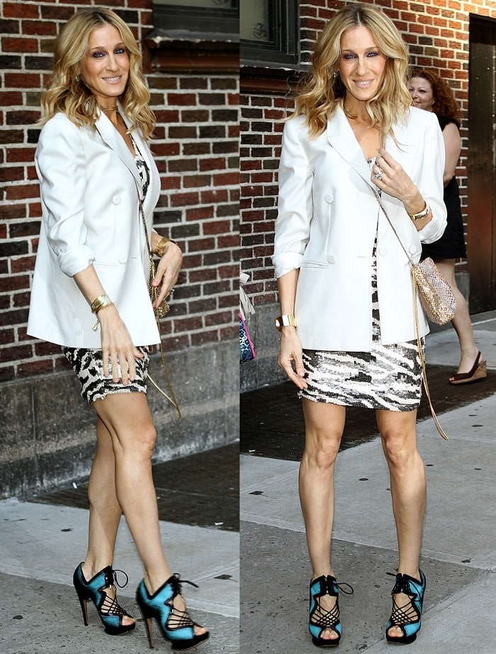 Sarah Jessica Parker in awhite oversized Stella McCartney blazer and zebra patterned dress
