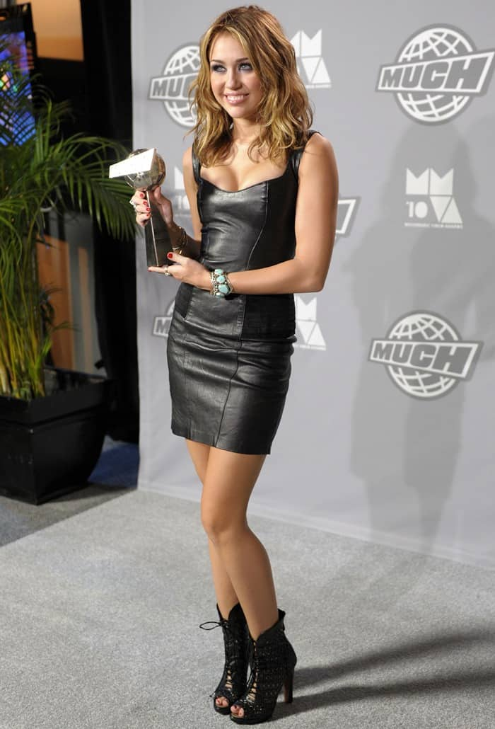 Miley Cyrus Loves Her Ala 239 A Lace Front Peep Toe Ankle Boots