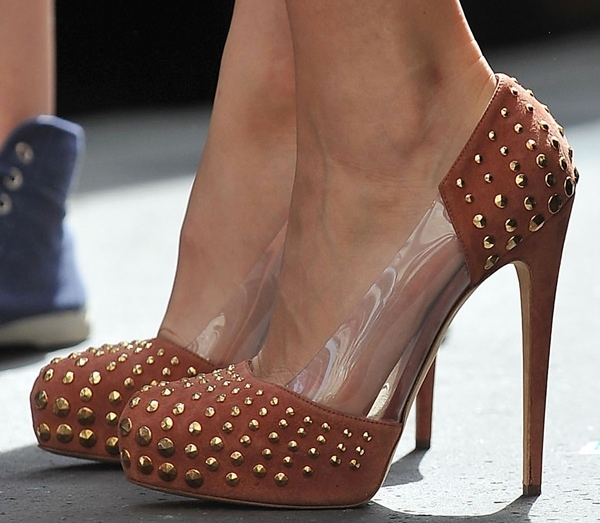 Blake Lively wearing Brian Atwood Loca pumps