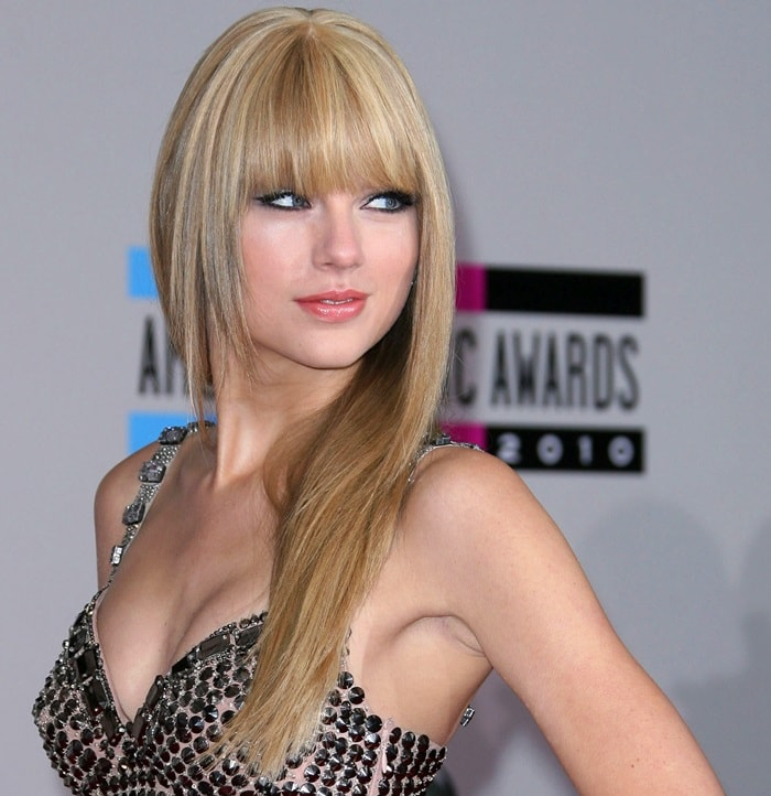 Taylor Swift once again proves that she's the ultimate hair chameleon