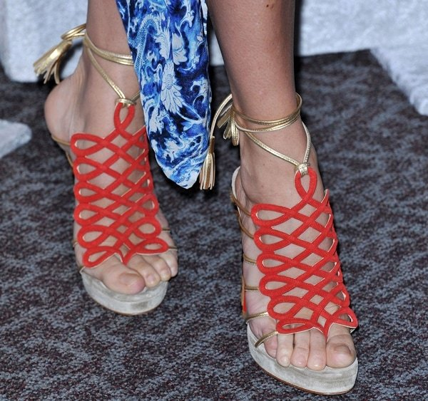 Chloe Sevigny shows off her feet in Salsbourg sandals