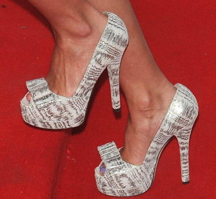 Geri Halliwell's feet in peep-toe pumps