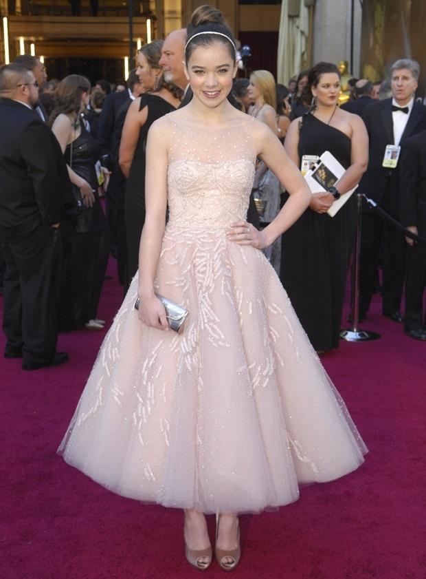 Hailee Steinfeld wears a beaded pink Marchesa dress on the red carpet
