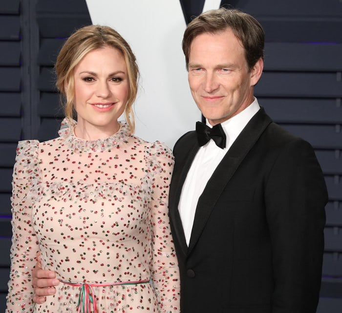 Anna Paquin and husband Stephen Moyer at the 2019 Vanity Fair Oscar Party