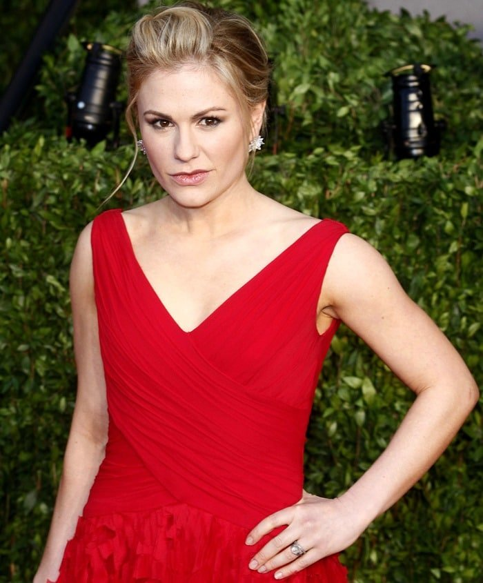 Anna Paquin in a Monique Lhuillier laser-cut shredded skirt dress at the 2011 Vanity Fair Oscar Party Hosted By Graydon Carter held at Sunset Tower in West Hollywood on February 27, 2011