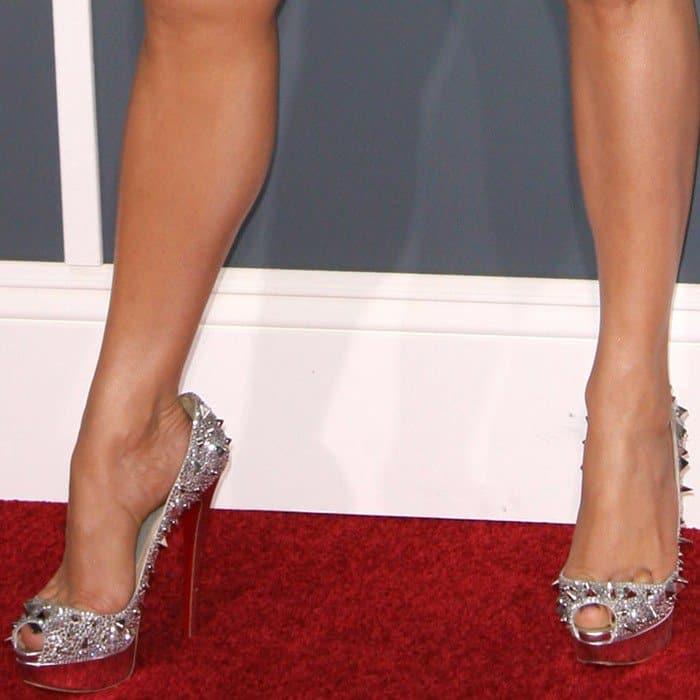 Jennifer Lopez's feet in Christian Louboutin 'Very Mix' spiked heels