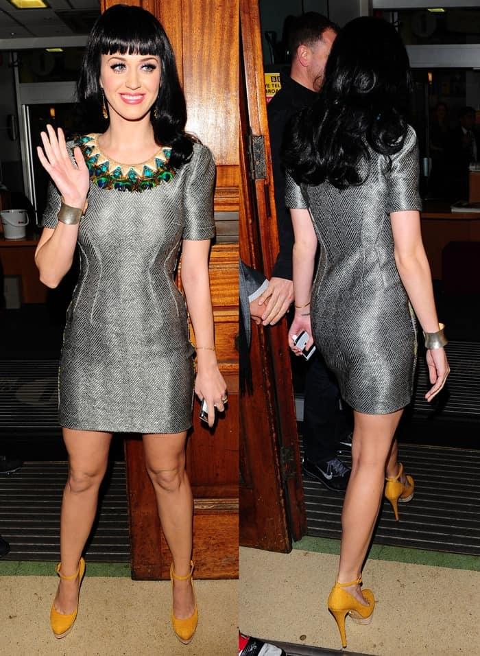 Katy Perry in zig-zag patterned Matthew Williamson sheath dress