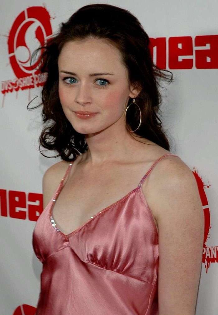 For her work in Gilmore Girls, Alexis Bledel received nominations for Satellite, Teen Choice, and Young Artist Awards