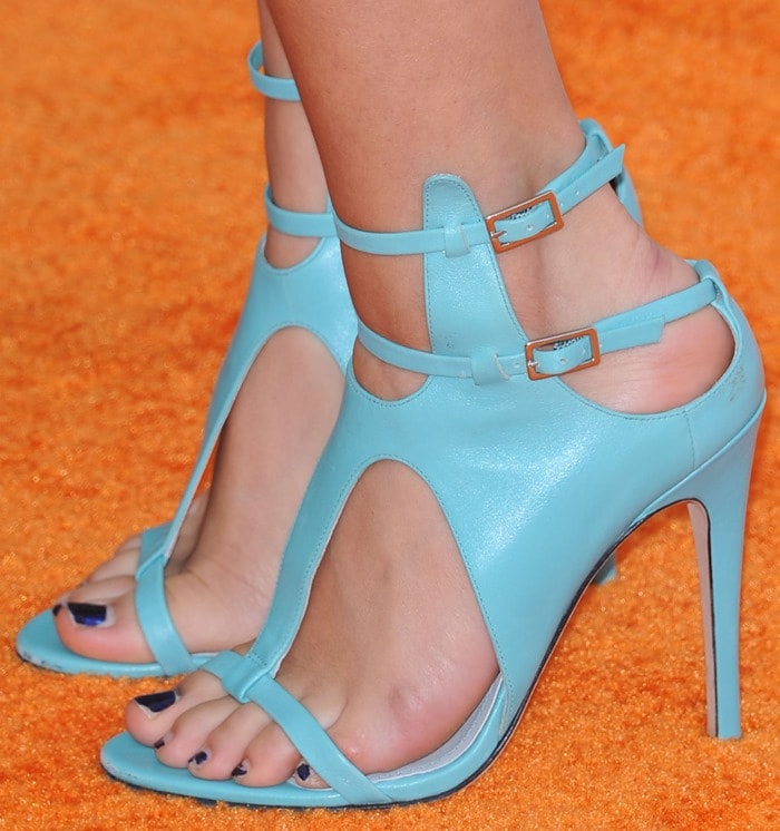 Selena Gomez's pretty feet in turquoise blue sandals