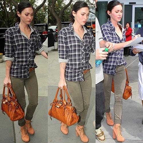 megan fox 2011 april. Megan Fox arrives and signs
