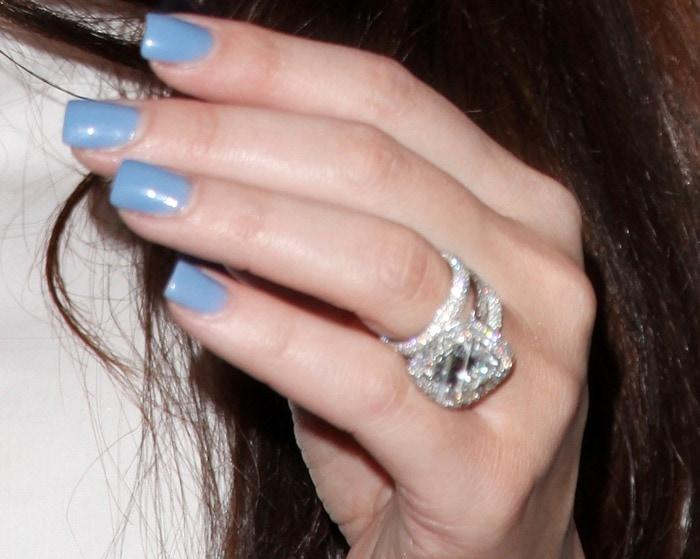 Khloe Kardashian showing off her impressive ring