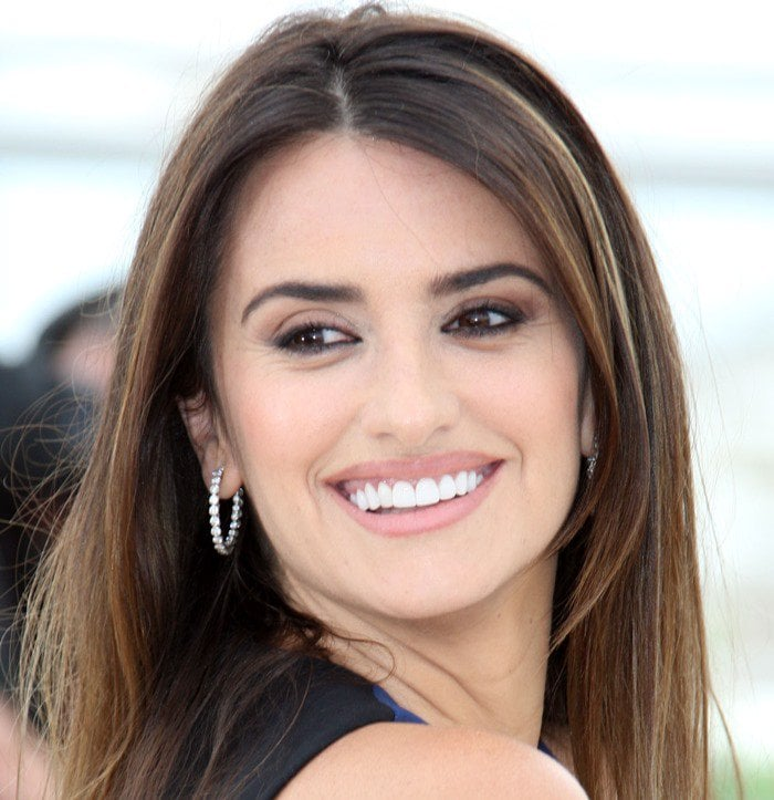 Penelope Cruz seems to have absolutely perfect teeth