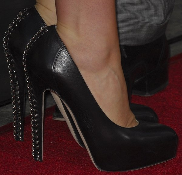 Anna Paquin's feet in Brian Atwood 'Harrison' pumps
