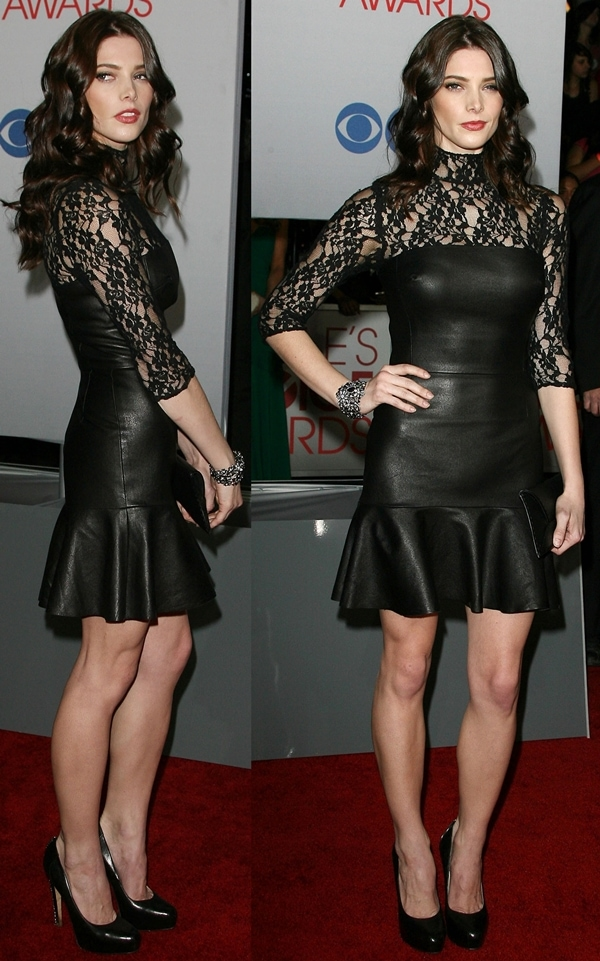 Ashley Greene flaunts her legs at the 2012 People's Choice Awards