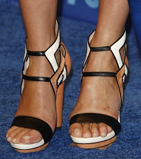 Cameron Diaz shows off her feet in Burak Uyan sandals