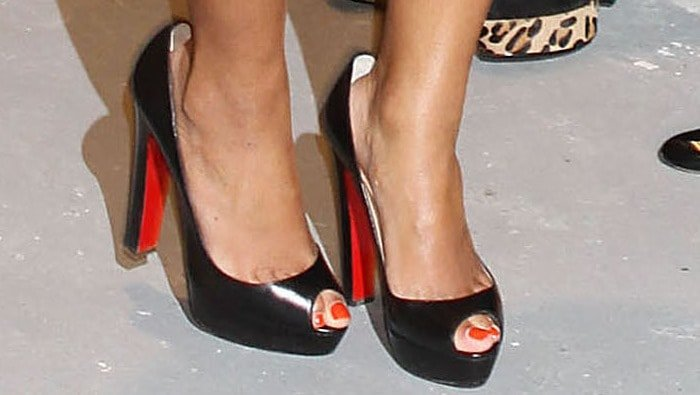Beyonce's feet insexy peep toe 'Altadama' pumps from Christian Louboutin