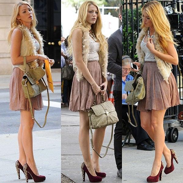 Blake Lively films Gossip Girl in NYC's Upper East Side on September 1, 2011