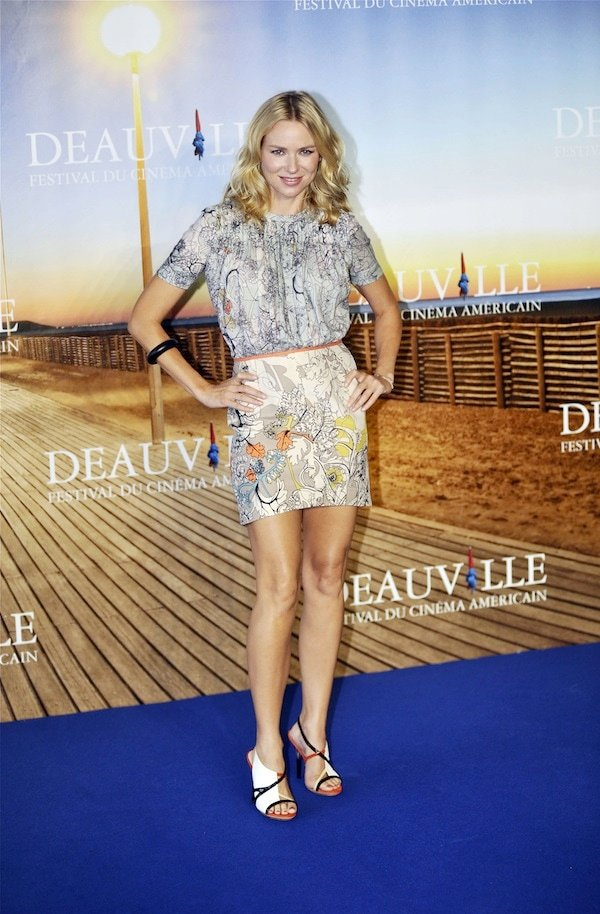 Naomi Watts shows off her cool and funky style at a photocall during the 37th Deauville American Film Festival