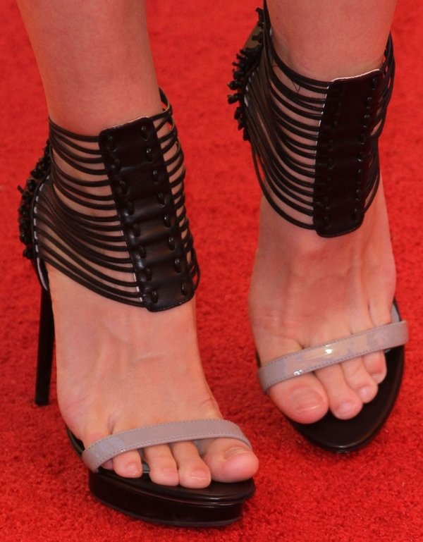 Jaime King showing off her feet in Nicholas Kirkwood for Jason Wu sandals