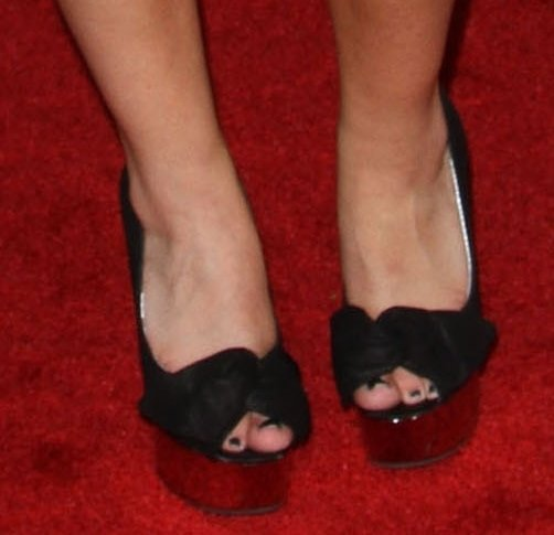 Take a closer look at Jennette McCurdy's shoes