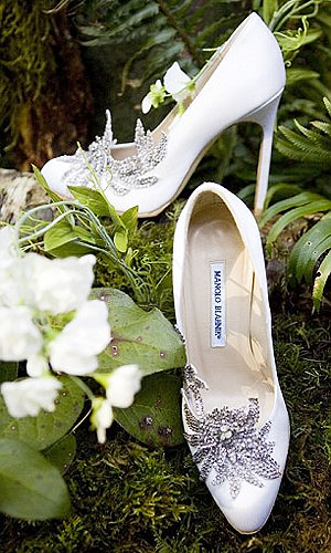 "Bella Swan's wedding shoes ""only"" have a 4 1/4"" covered heel"