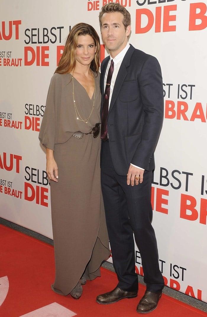Good friends Sandra Bullock and Ryan Reynolds