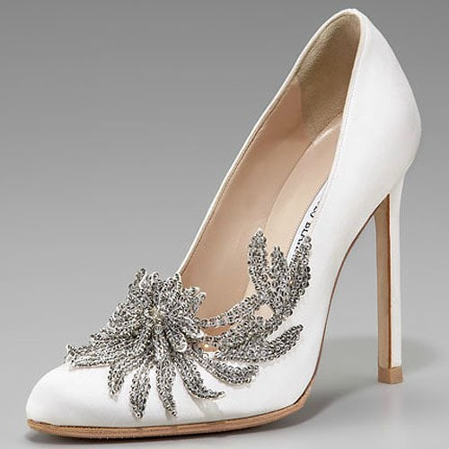 "Bella Swan's wedding shoes are these Manolo Blahnik satin pumps aptly named ""Swan"""