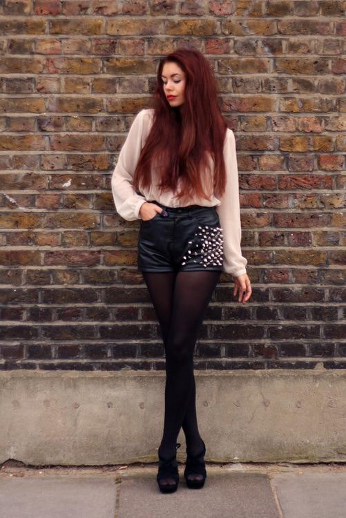 Aleksandra Boyarova flaunts her incredibly long legs