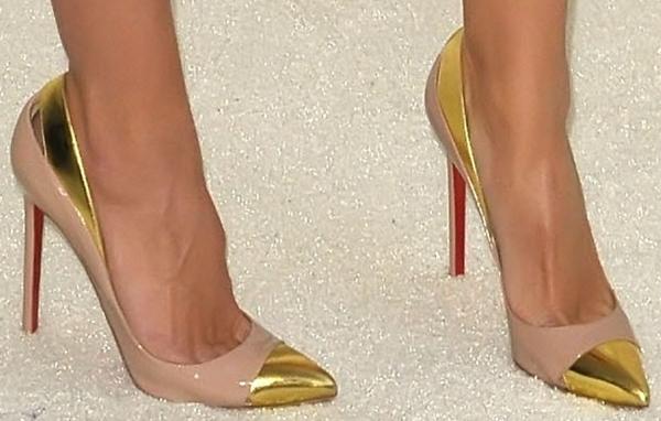 Heidi Klum's toe cleavage in Duvette pumps