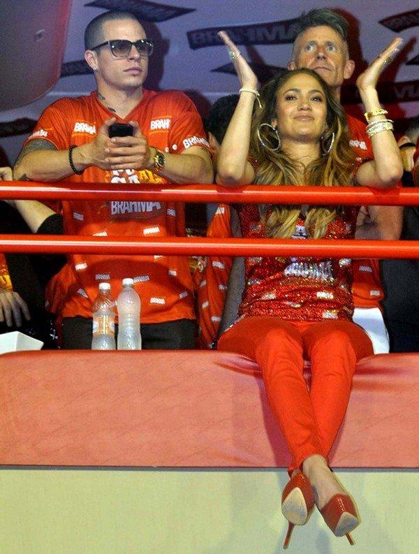 Jennifer Lopez wears her hair down as she attends Brazil's Carnival parade