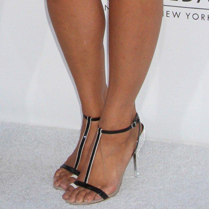 Jordin Sparks shows off her sexy feet in Diane von Furstenberg t-bar heels