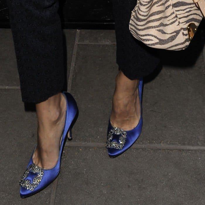 dda057d63b9f4a Olivia Palermo in Cobalt Blue Manolo Blahnik  Hangisi  Pumps