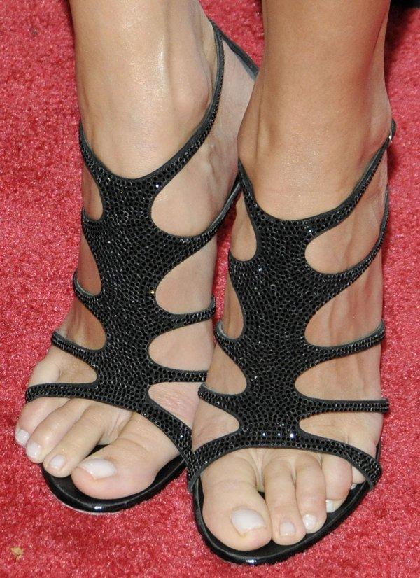 Stacy Keibler's sexy feet in black Giuseppe Zanotti sandals