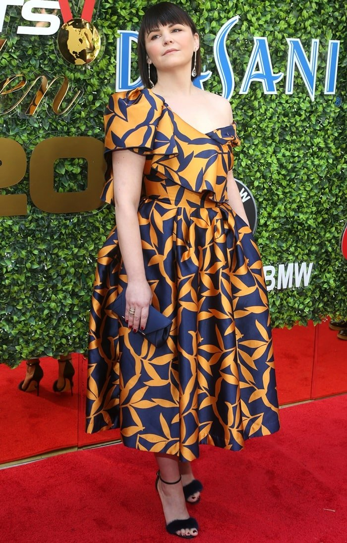 Ginnifer Goodwin wearing a Khoon Hooi dress and Alexis Bittar earrings at 2020 Gold Meets Golden