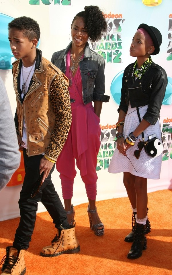 Jada Pinkett Smith, daughter Willow Smith and son Jaden Smith at the 2012 Kids Choice Awards