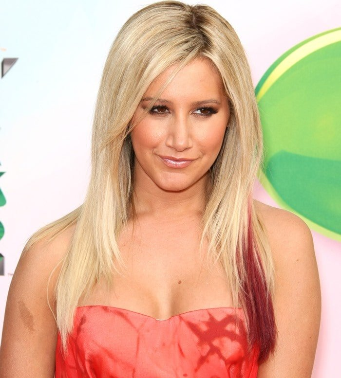 Ashley Tisdale at the 2012 Kids Choice Awards
