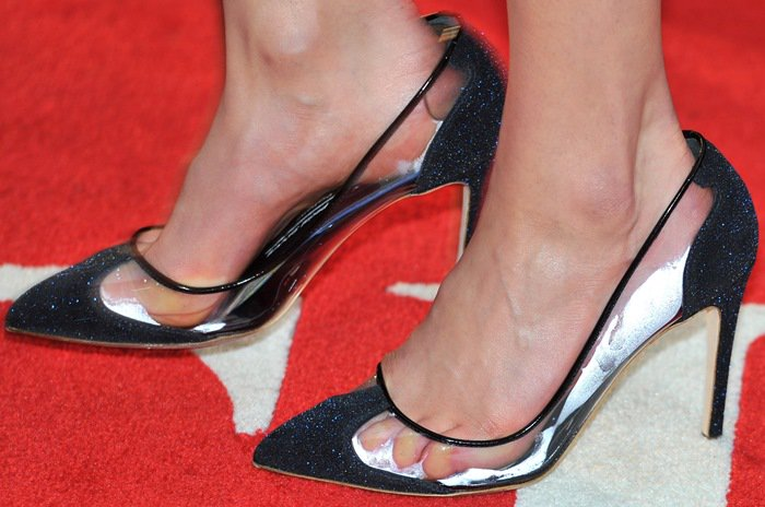 Taylor Schilling experiencing foot fog in Rupert Sanderson 'Prunia' pumps