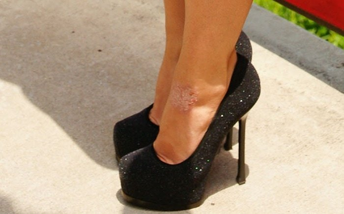Britney Spears showing off her feet in Yves Saint Laurent heels