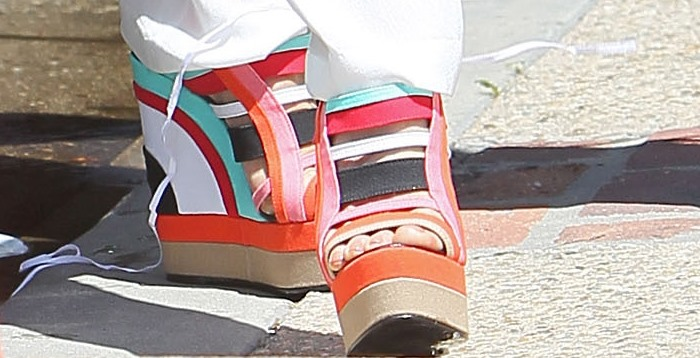 Kate Beckinsale strolls in her multi-colored Pierre Hardy sandals