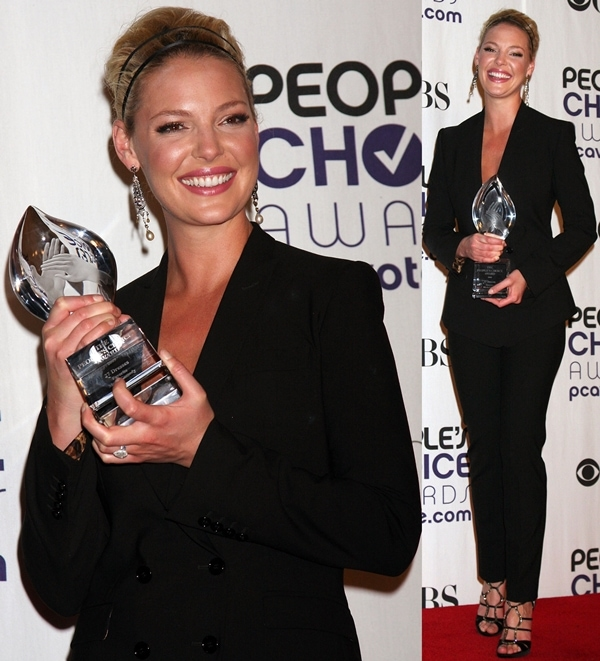Actress Katherine Heigl poses at the 35th Annual People's Choice Awards Press Room