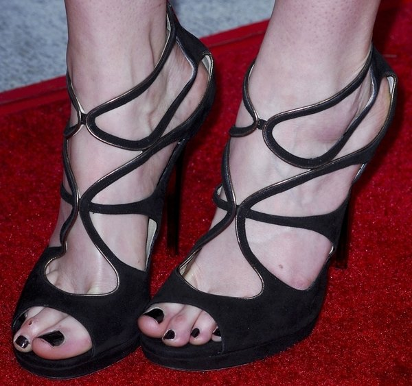 Krysten Ritter shows off her feet inLoila sandals by Jimmy Choo