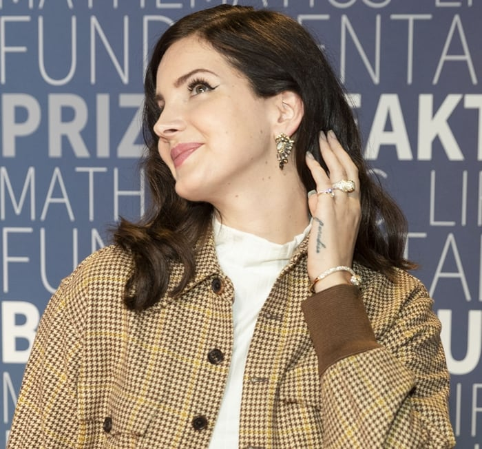 Lana Del Rey attends the 2019 Breakthrough Prize at NASA Ames Research Center