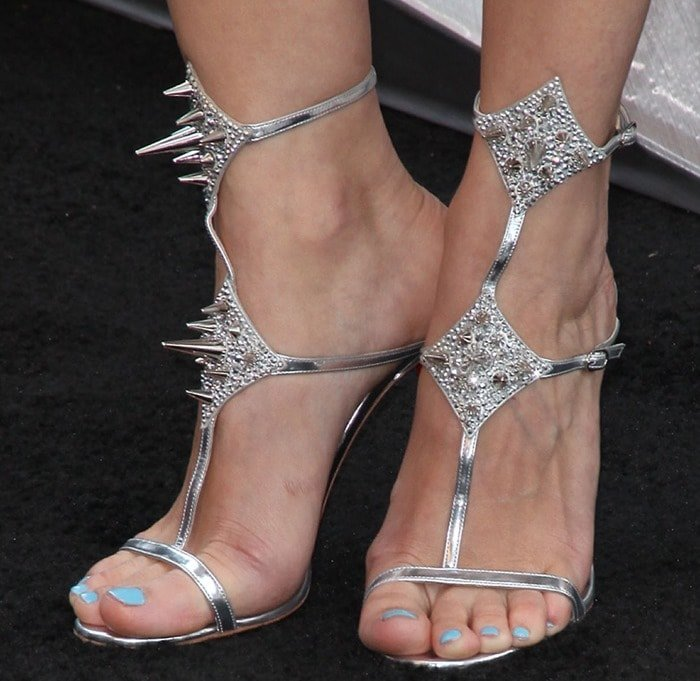 Marion Cotillard showing off her feet in Christian Louboutin Lady Max Spike sandals