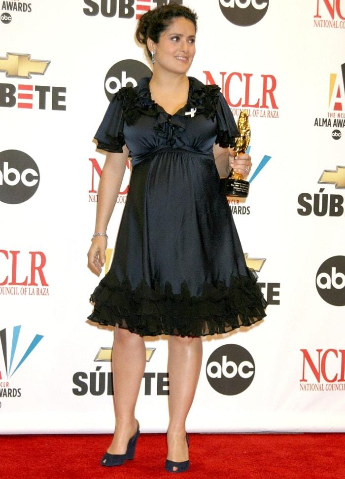 A very pregnant Salma Hayek won an award at the 2007 National Council of La Raza ALMA Awards