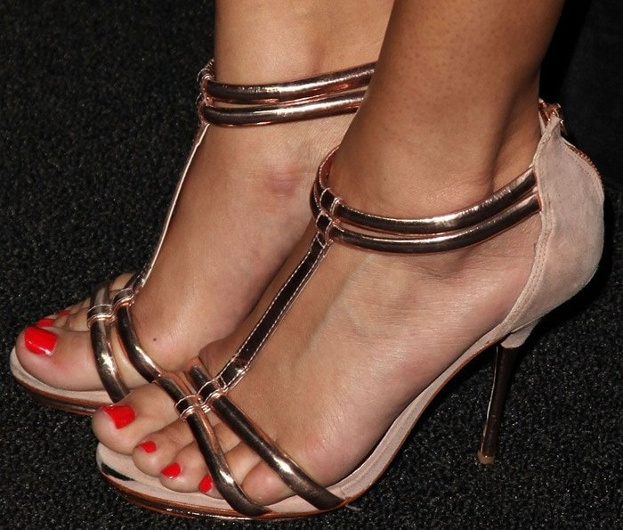 Ashley Madekwe's sexy feet in towering stilettos from Topshop